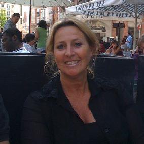 Monique Hos